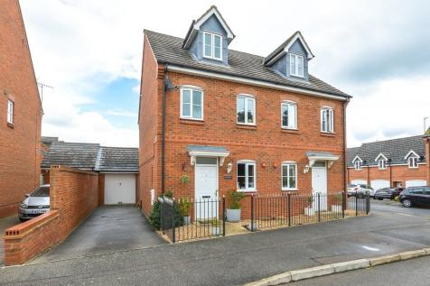 The Meadows, Old Stratford. 3 bedroom semi-detached house