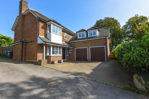 Whittlebury Road, Silverstone. 4 bedroom detached house for sale