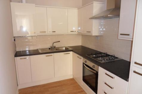 Blackstock Road, Finsbury Park, London N4. 3 bedroom flat