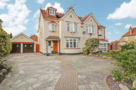 Southbourne Grove, Westcliff-On-Sea. 5 bedroom semi-detached house for sale