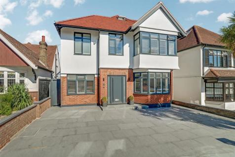 The Drive, Westcliff-On-Sea. 5 bedroom detached house