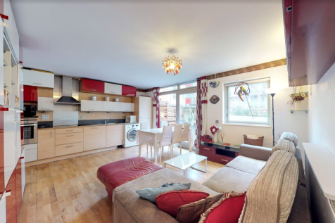 Holly Court, Greenroof Way, London, SE10. 2 bedroom flat
