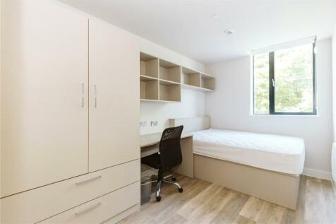 Grove Road, Weston-super-Mare, North Somerset, BS23. 2 bedroom apartment