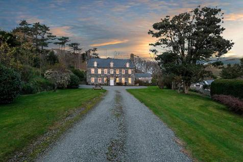 Historic Country House & Portfolio of Properties, Snowdonia National Park. 9 bedroom country house for sale