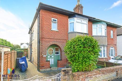 Stanley Road, Bournemouth, BH1. 2 bedroom apartment for sale