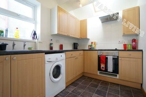 Caernarfon Road, Bangor, Gwynedd. 4 bedroom house