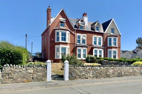 Station Road, Rhosneigr, Anglesey. 5 bedroom house for sale