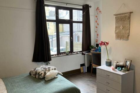 Aneddwen, Bangor, Gwynedd. 5 bedroom house