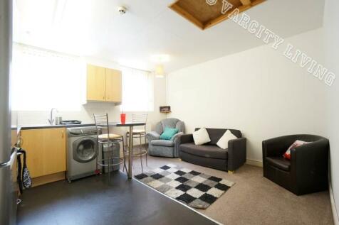 High Street, Bangor, Gwynedd. 2 bedroom house