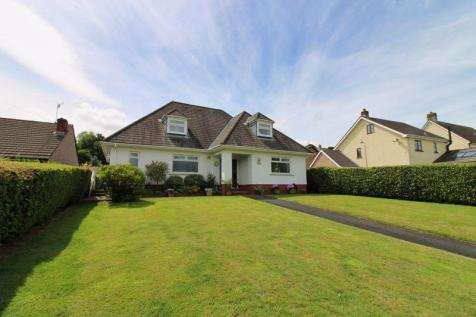Abergavenny Road, Gilwern. 3 bedroom detached house