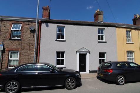 Merthyr Road, Abergavenny. 3 bedroom terraced house