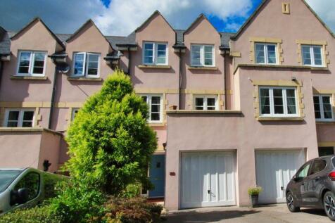 Chestnut Drive, Abergavenny. 4 bedroom terraced house