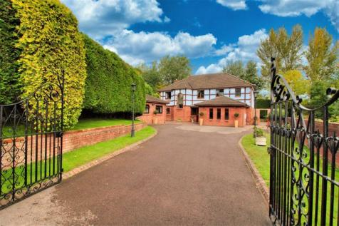 Luxurious Family Residence with Detached Annexe. 6 bedroom detached house for sale