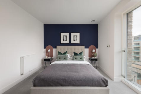 Curran Street, London, SE10. 3 bedroom apartment for sale