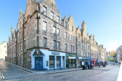 4/2 Boyd's Entry, Edinburgh EH1 1SY. 2 bedroom ground maisonette for sale