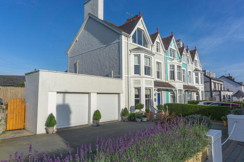Lanarth House, Abersoch High Street. 4 bedroom town house
