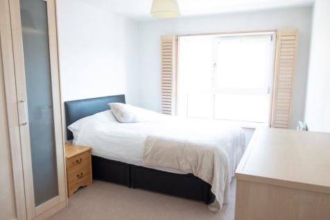 Westferry Road, London, E14. 1 bedroom flat share