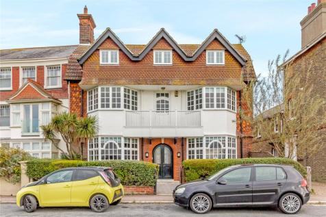 Godyll Road, Southwold, Suffolk, IP18. 6 bedroom detached house for sale