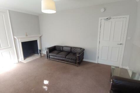 East London Street, Broughton, Edinburgh, EH7. 4 bedroom flat
