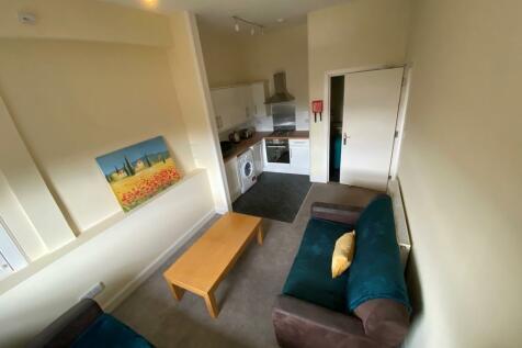 Royal Park Terrace, Meadowbank, Edinburgh, EH8. 4 bedroom flat
