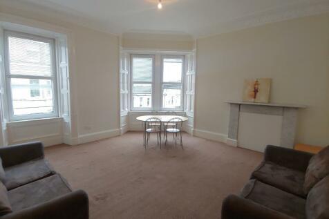 Merchiston Avenue, Polwarth, Edinburgh, EH10. 4 bedroom flat