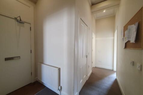 Forrest Road, Newington, Edinburgh, EH1. 3 bedroom flat