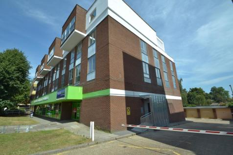 Elmfield Road, Bromley, Greater London, BR1. 2 bedroom apartment