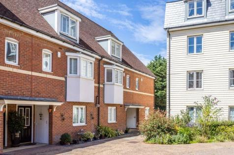 Wingfield Court, Banstead, SM7. 4 bedroom end of terrace house for sale