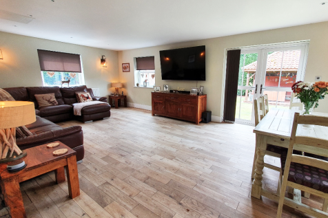 Bawtry Road, Doncaster, South Yorkshire, DN7. 10 bedroom detached house