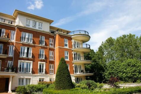 Richmond Bridge Estate, Twickenham, TW1. 3 bedroom penthouse