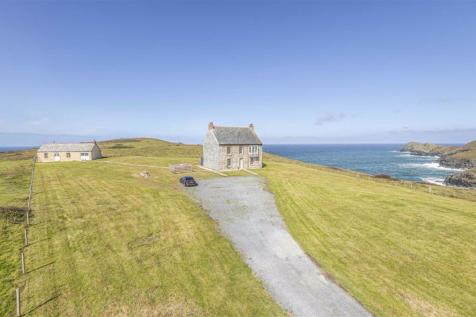 The Count House And St Piran's Point, Holywell Bay, Cornwall. 5 bedroom detached house