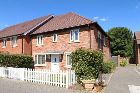 Titchfield Common. 4 bedroom semi-detached house