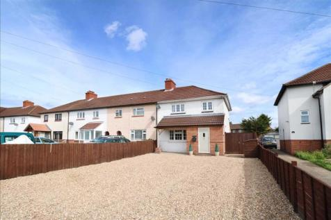Warsash Road, Titchfield Common. 3 bedroom end of terrace house