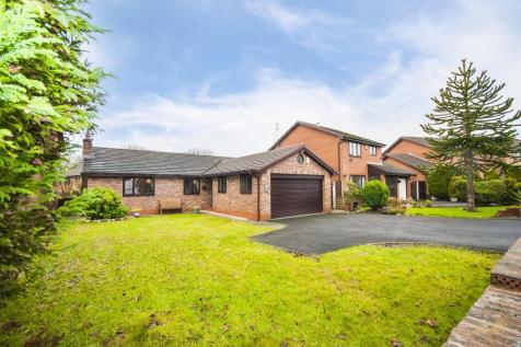 Whittingham Drive, Ramsbottom, Bury. 4 bedroom detached bungalow for sale