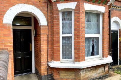 Stockwood Crescent, Luton, LU1 3SS. 5 bedroom terraced house