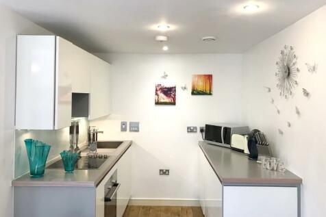 Serena Park Gardens, Greenwich, Deptford, Charlton, London, SE3 7RR. 1 bedroom flat