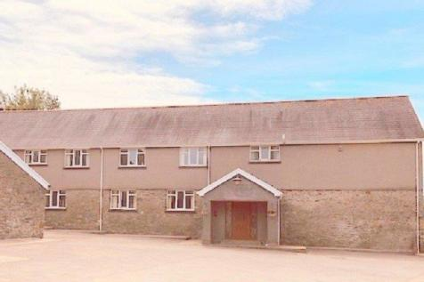 Pontrhydyfen, Port Talbot, Neath Port Talbot. SA12 9SL. 6 bedroom farm house