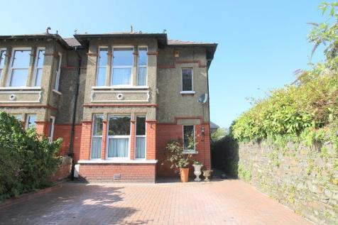 Westernmoor Road, Neath, Neath Port Talbot. SA11 1BJ. 4 bedroom semi-detached house