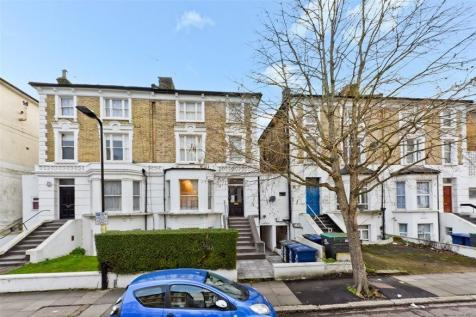 Oxford Road, London, W5. Studio flat