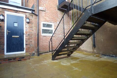 Rylands Street, Warrington, Cheshire, WA1. 2 bedroom ground floor flat