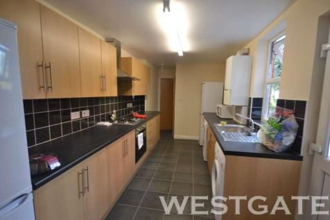 Donnington Road, Reading. 6 bedroom terraced house