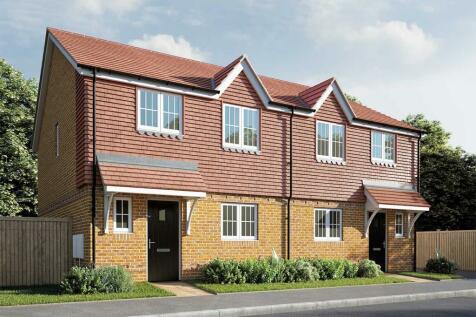 Berengrave Lane, Rainham, Gillingham, ME8 7NJ. 3 bedroom semi-detached house