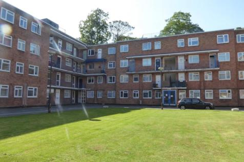 Viceroy Court, High Street South, Dunstable, Bedfordshire, LU6. 2 bedroom apartment