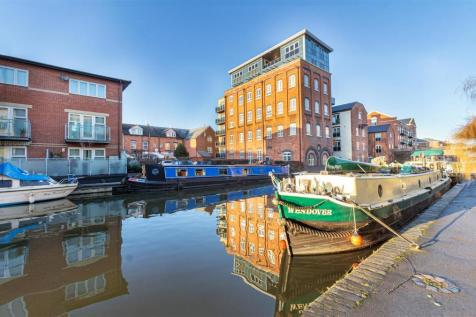Portland Street, Worcester. 2 bedroom apartment for sale