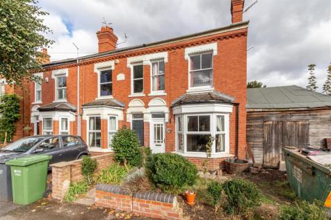Shrubbery Road, Worcester. 3 bedroom end of terrace house for sale