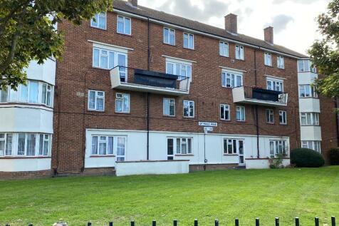 St Pauls Road, Southsea, Portsmouth, PO5. 4 bedroom flat