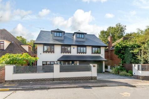 Garden Way, Loughton, Essex, IG10. 5 bedroom detached house for sale