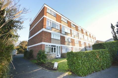 Manor Road, Walton-On-Thames, Surrey, KT12. 2 bedroom flat