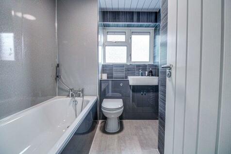 Hinkler Road, Southampton. 2 bedroom flat