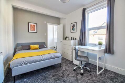 BRAND NEW! LUXURY En Suite Room - ALL Bills Included!. 1 bedroom house share